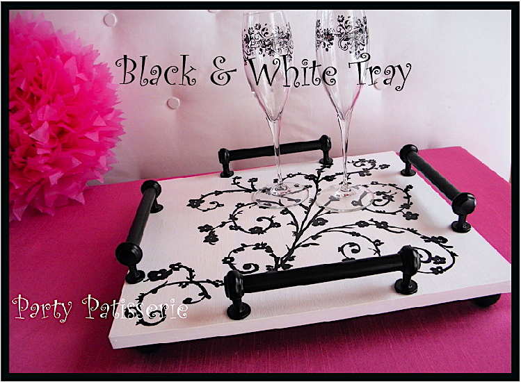Black_and_White_Tray_Thumbnail