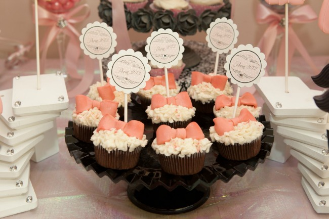 pink_bow_cupcakes
