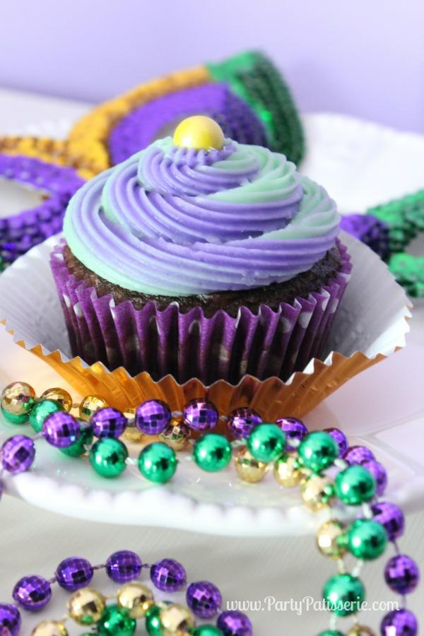 Mardi_Gras_Cupcakes_14