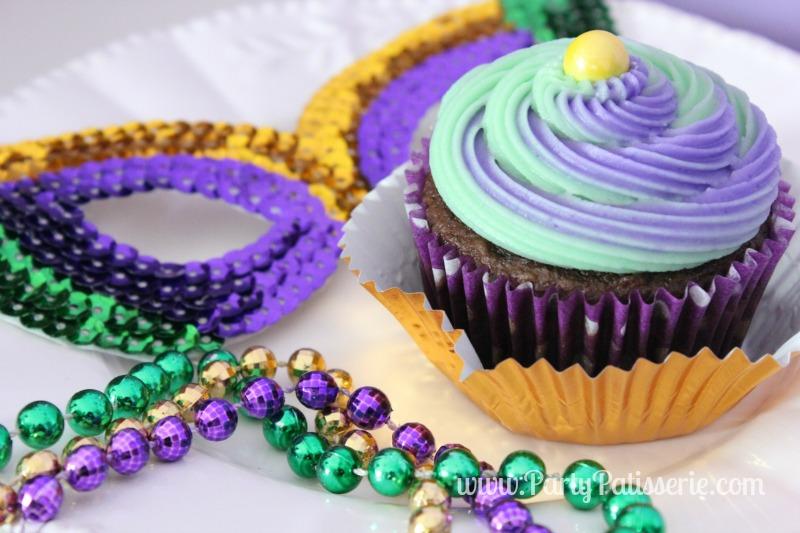 Mardi_Gras_Cupcakes_9