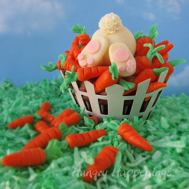 Easter+cupcakes,+cupcake,+ravenous+rabbit,+bunny,+modeling+chocolate,+sculpt,+clay,+fondant,+carrots+2+