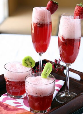 strawberry-champagne-punch-12892250931