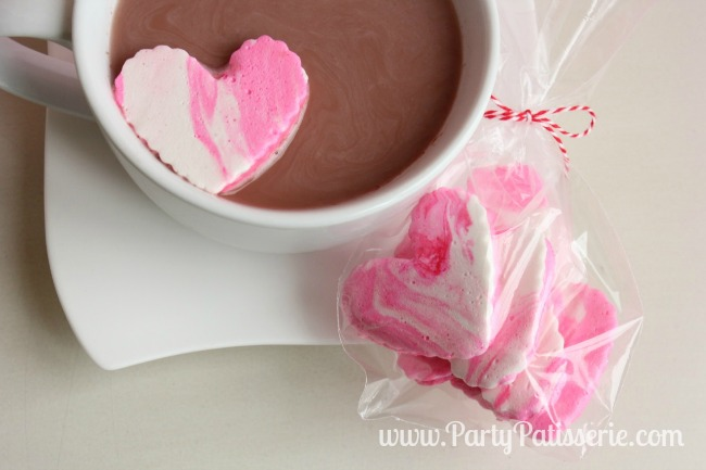 Pink_Heart_Marshmallow_Mug