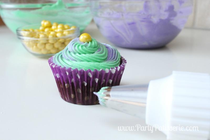 Mardi_Gras_Cupcakes_8