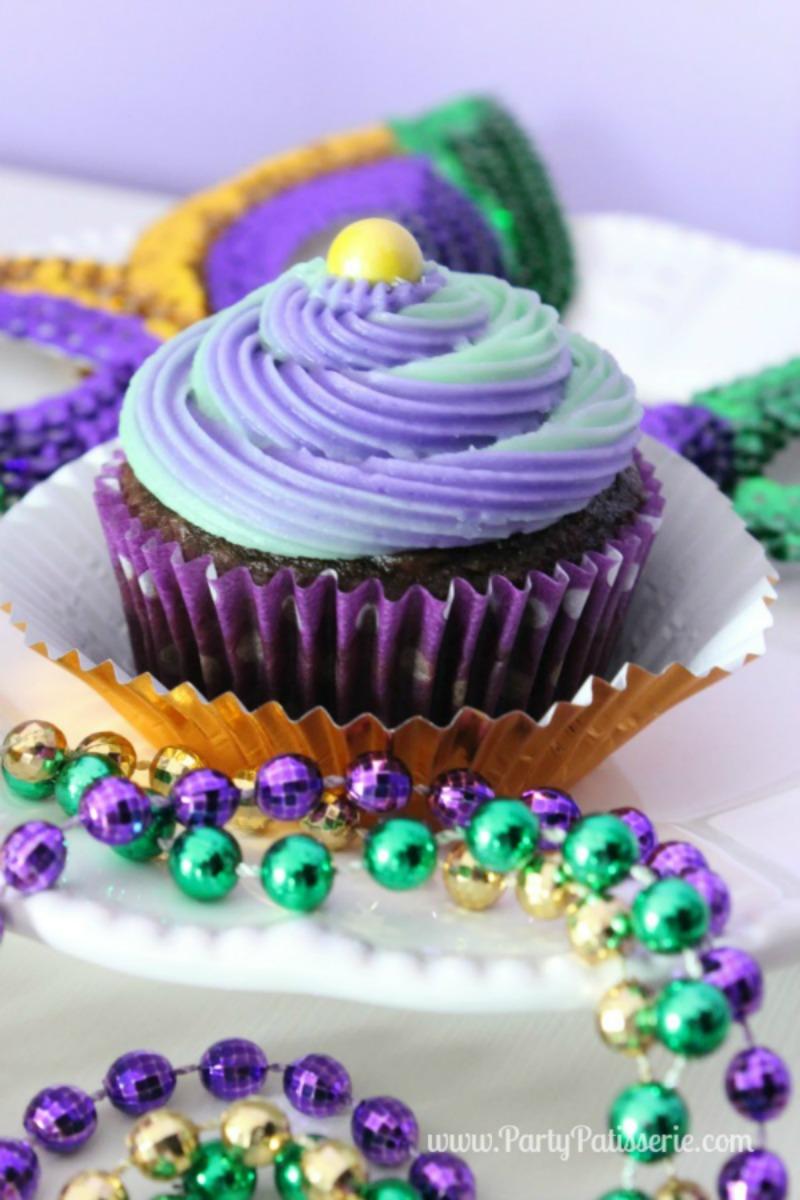 Mardi_Gras_Cupcake_14