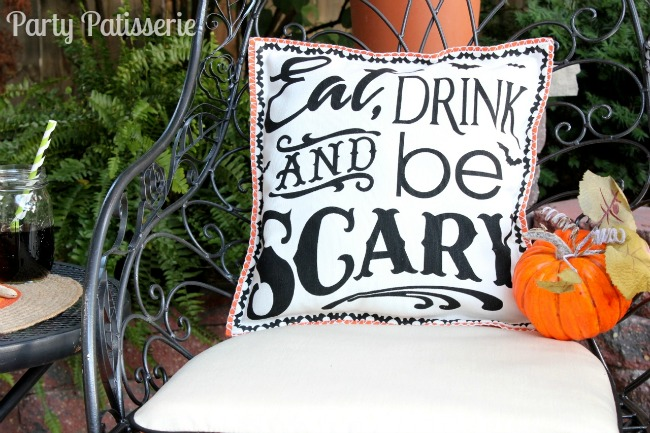 Be_Scary_Pillow_DIY_8