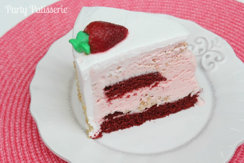 Strawberry ice cream Cold Stone cake