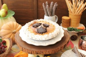 How to create a rustic Thanksgiving tablescape your guests will love